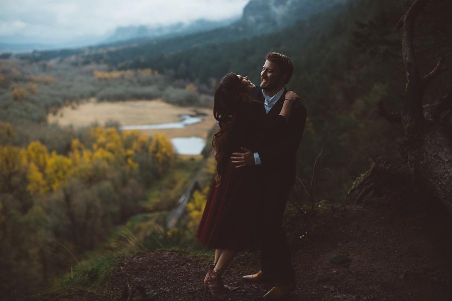 Horsetail-Falls-Engagement-Photos-7.jpg