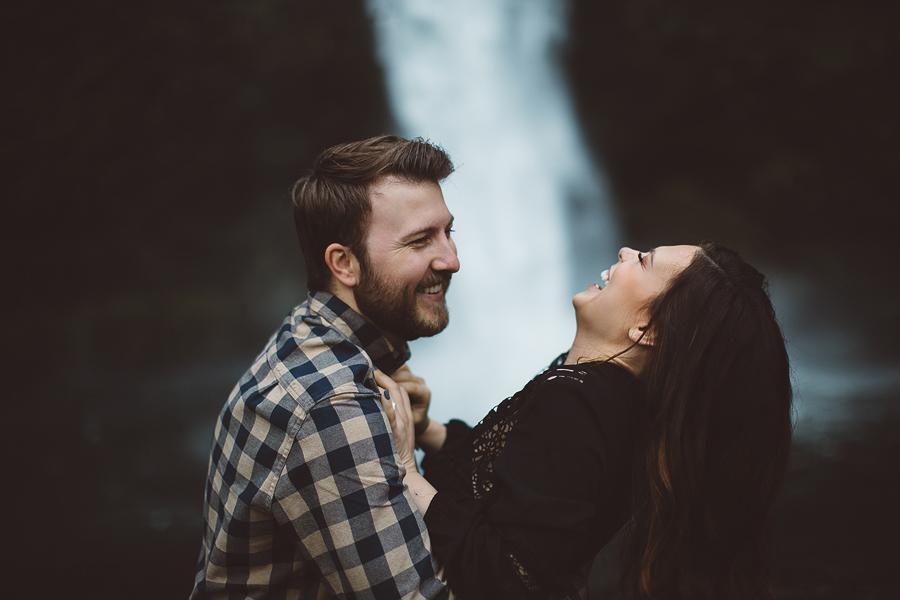 Horsetail-Falls-Engagement-Photos-8.jpg