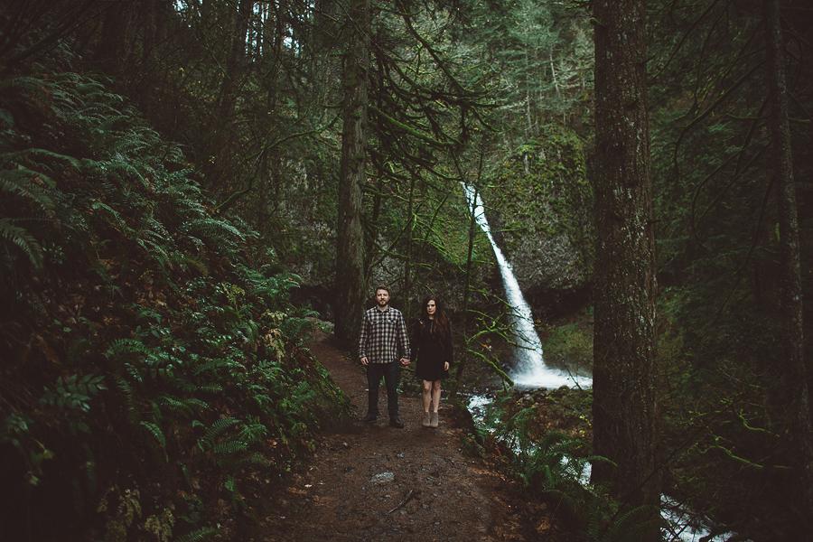 Horsetail-Falls-Engagement-Photos-20.jpg