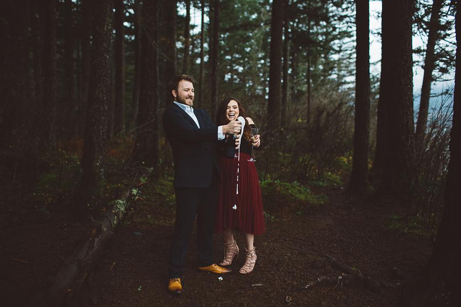 Horsetail-Falls-Engagement-Photos-27.jpg