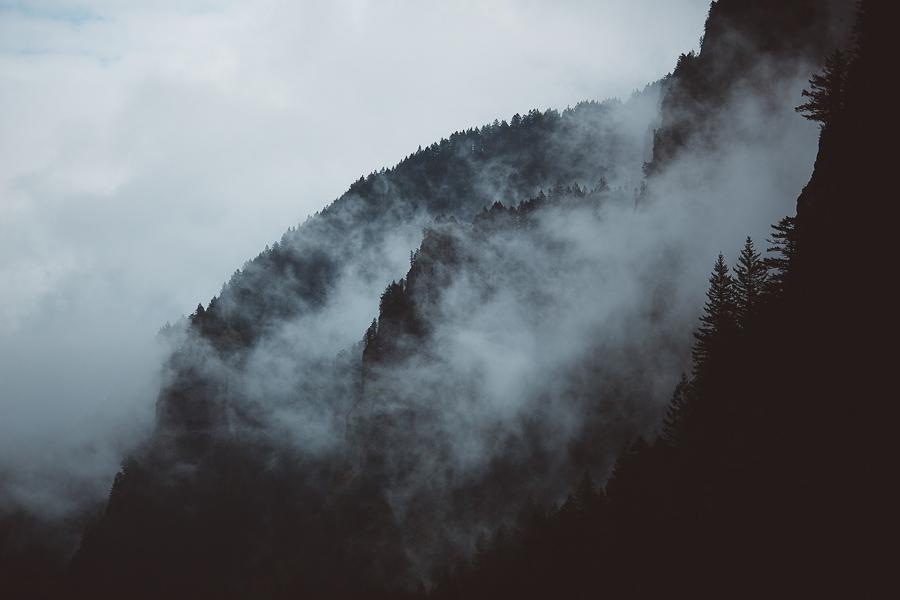 Horsetail-Falls-Engagement-Photos-36.jpg