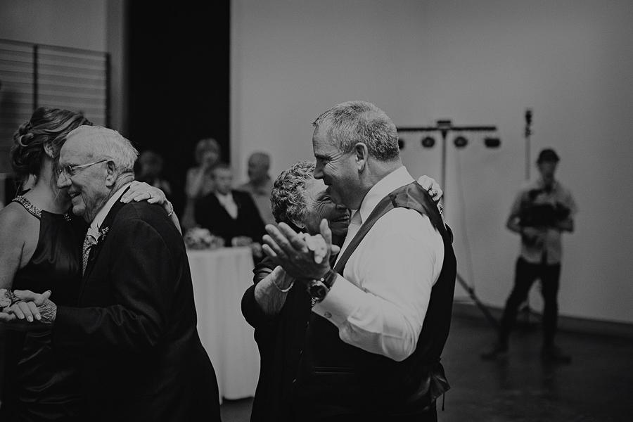 Left-Bank-Annex-Wedding-Photos-175.jpg