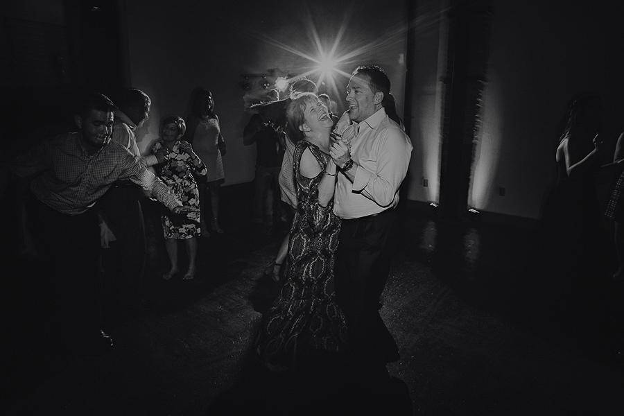 Left-Bank-Annex-Wedding-Photos-193.jpg