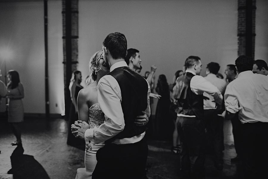 Left-Bank-Annex-Wedding-Photos-208.jpg