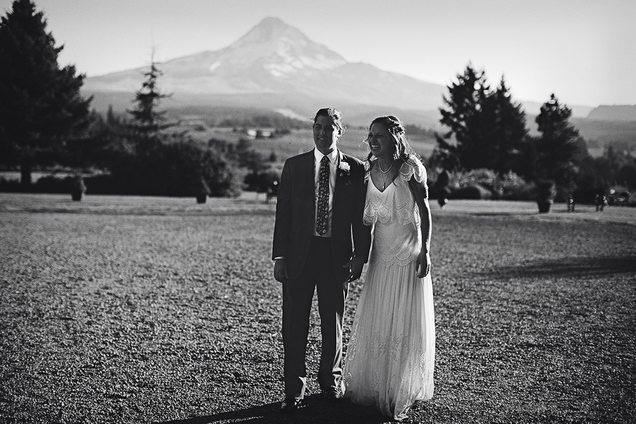 Mt-Hood-Organic-Farms-Wedding-Photographs-116.jpg
