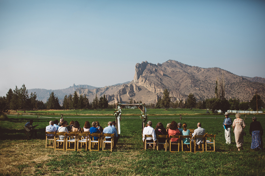 Bend-Wedding-Photographer-37.jpg