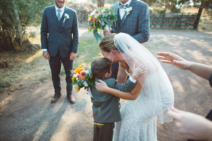 Bend-Wedding-Photographer-74.jpg