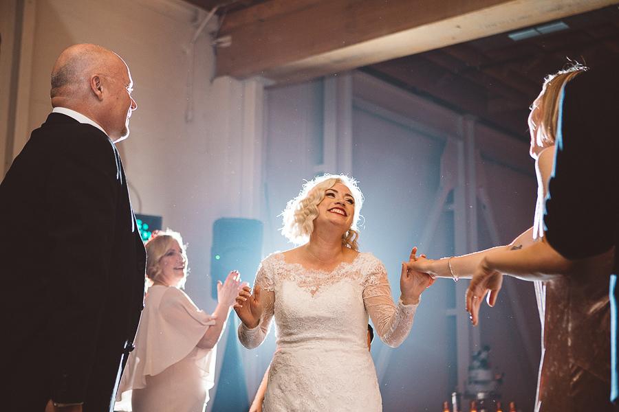 Castaway-Portland-Wedding-Pictures-119.jpg