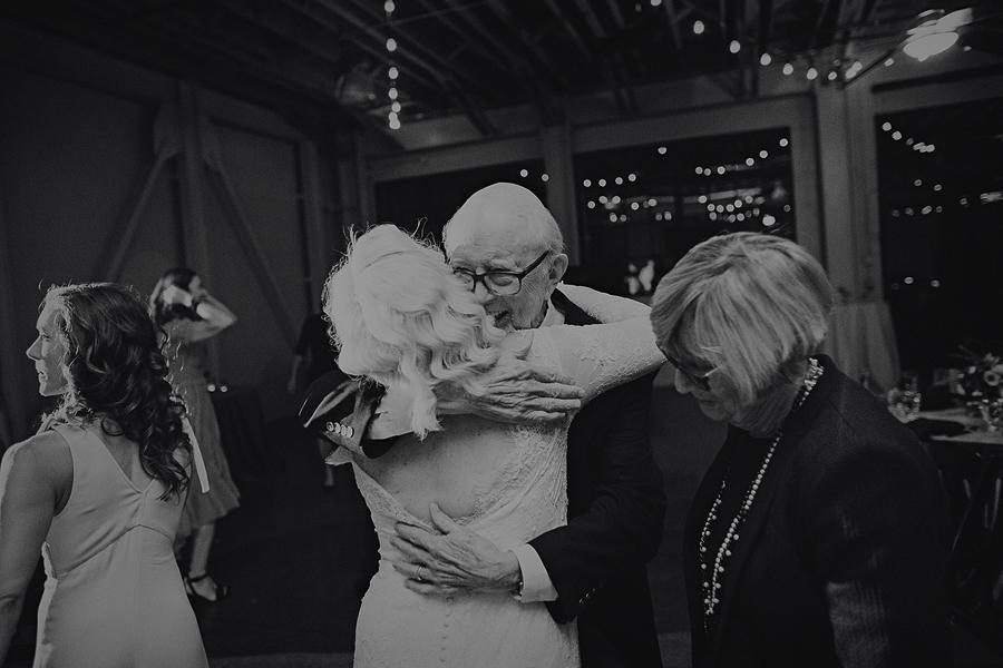 Castaway-Portland-Wedding-Pictures-147.jpg
