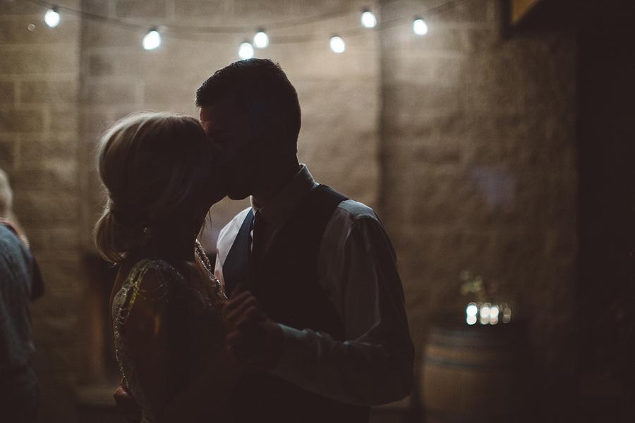 Hilliary + Kamren    Oregon Vineyard Wedding    Dayton, OR