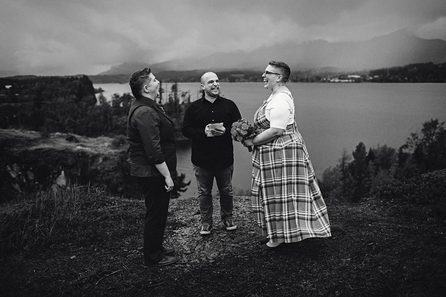 Columbia-River-Gorge-Wedding-12.jpg