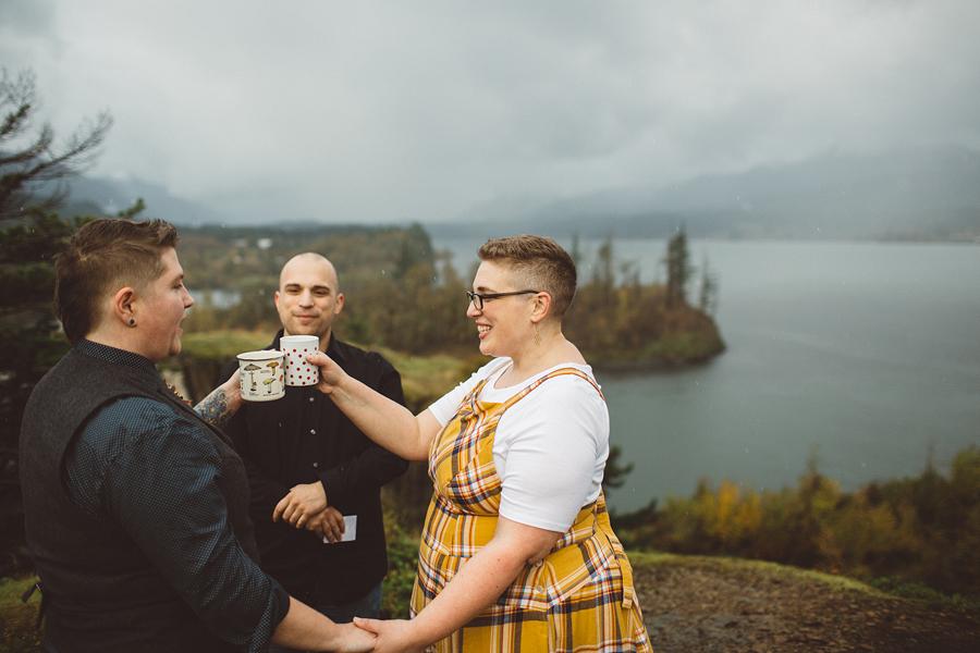 Columbia-River-Gorge-Wedding-21.jpg