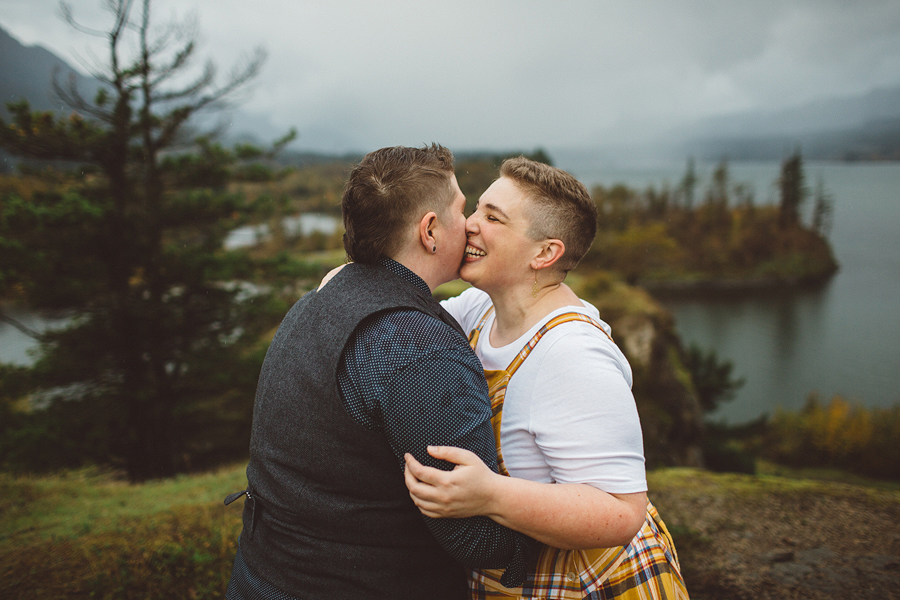 Columbia-River-Gorge-Wedding-30.jpg