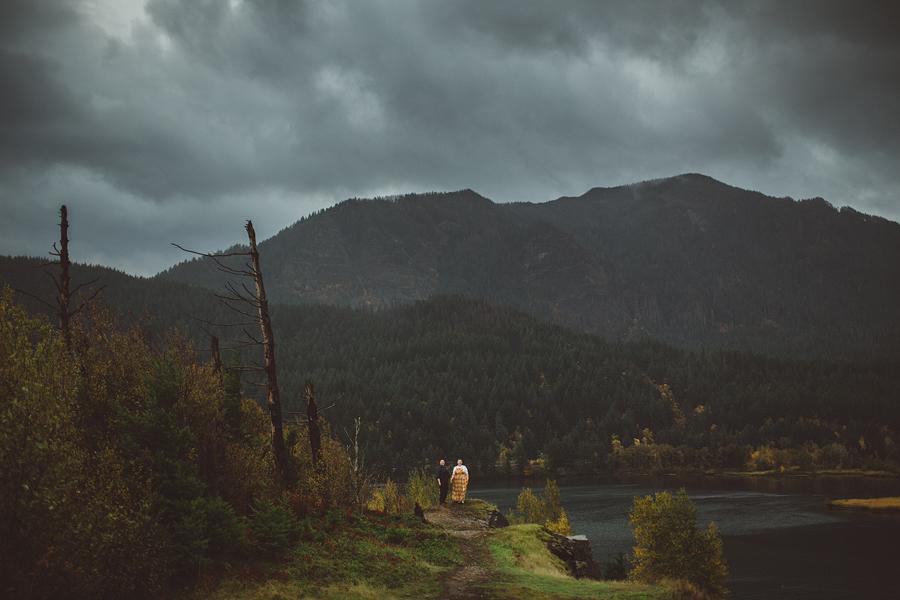 Columbia-River-Gorge-Wedding-33.jpg