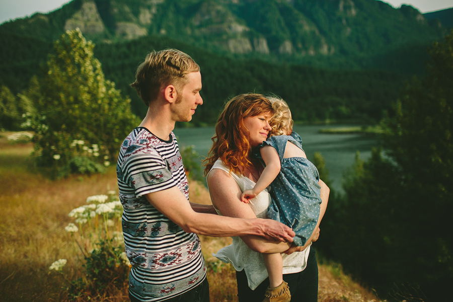 Columbia-River-Gorge-Family-Photographs-16.jpg