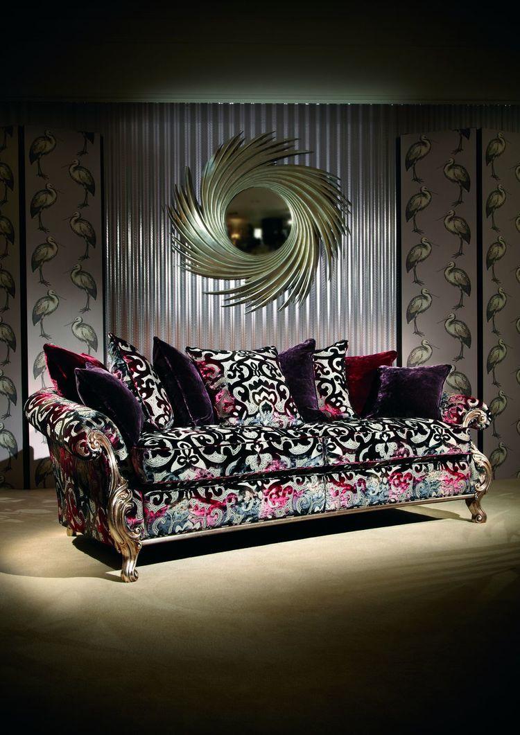 Два символа мебельной моды  Англии вместе: диван от DURESTA и зеркало от  CRISTOPHER GUY
