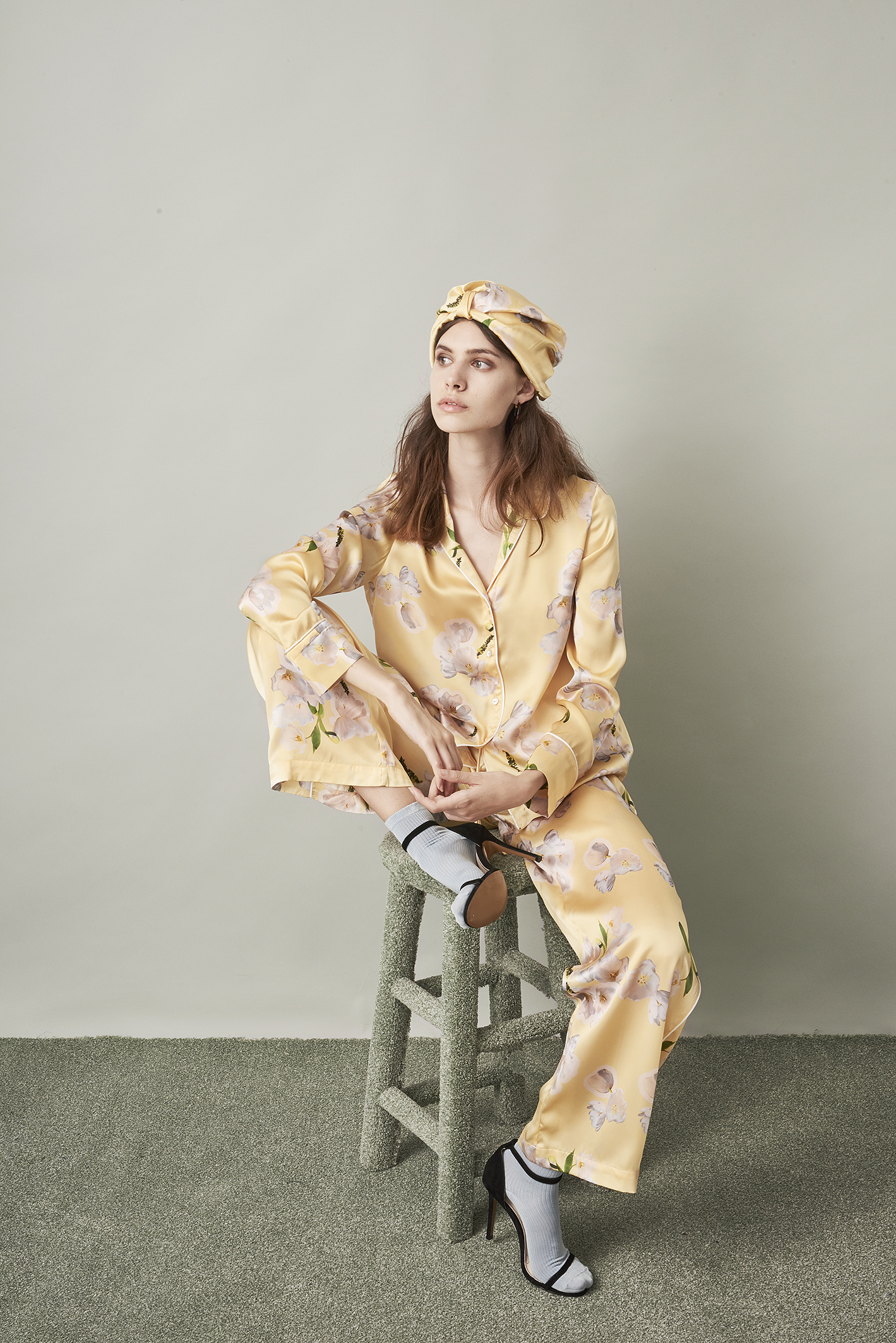 Violet & Wren Vita Collection Sundrenched Tulip Pyjamas and Turban