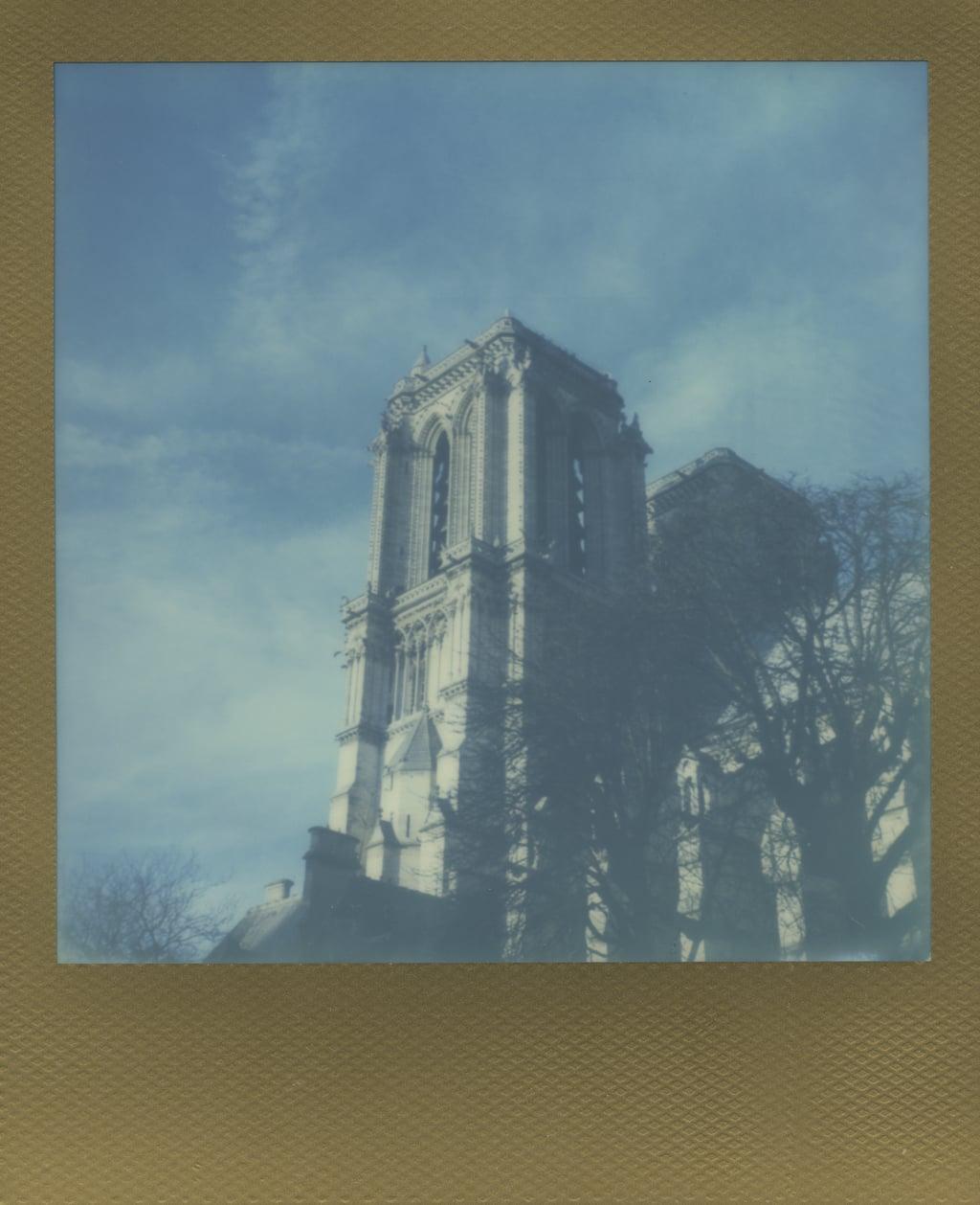 ParisPola2069.jpg