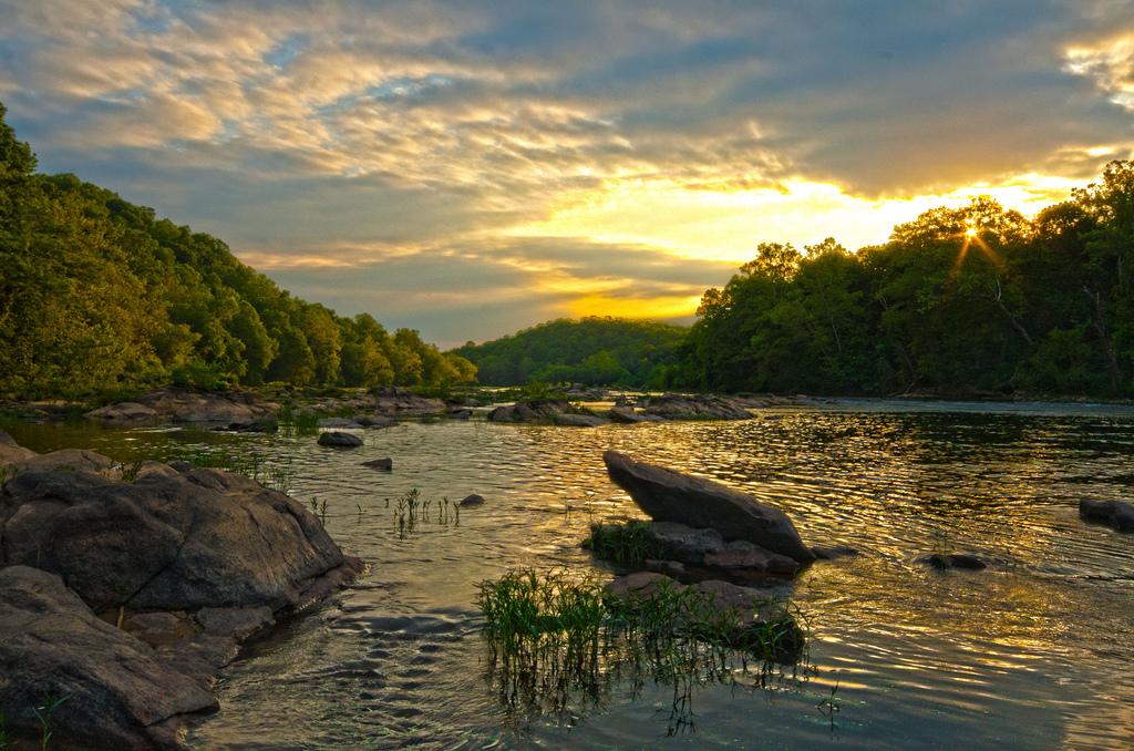The Rappahannock River at sunset. (CC 2.0 ( source ))
