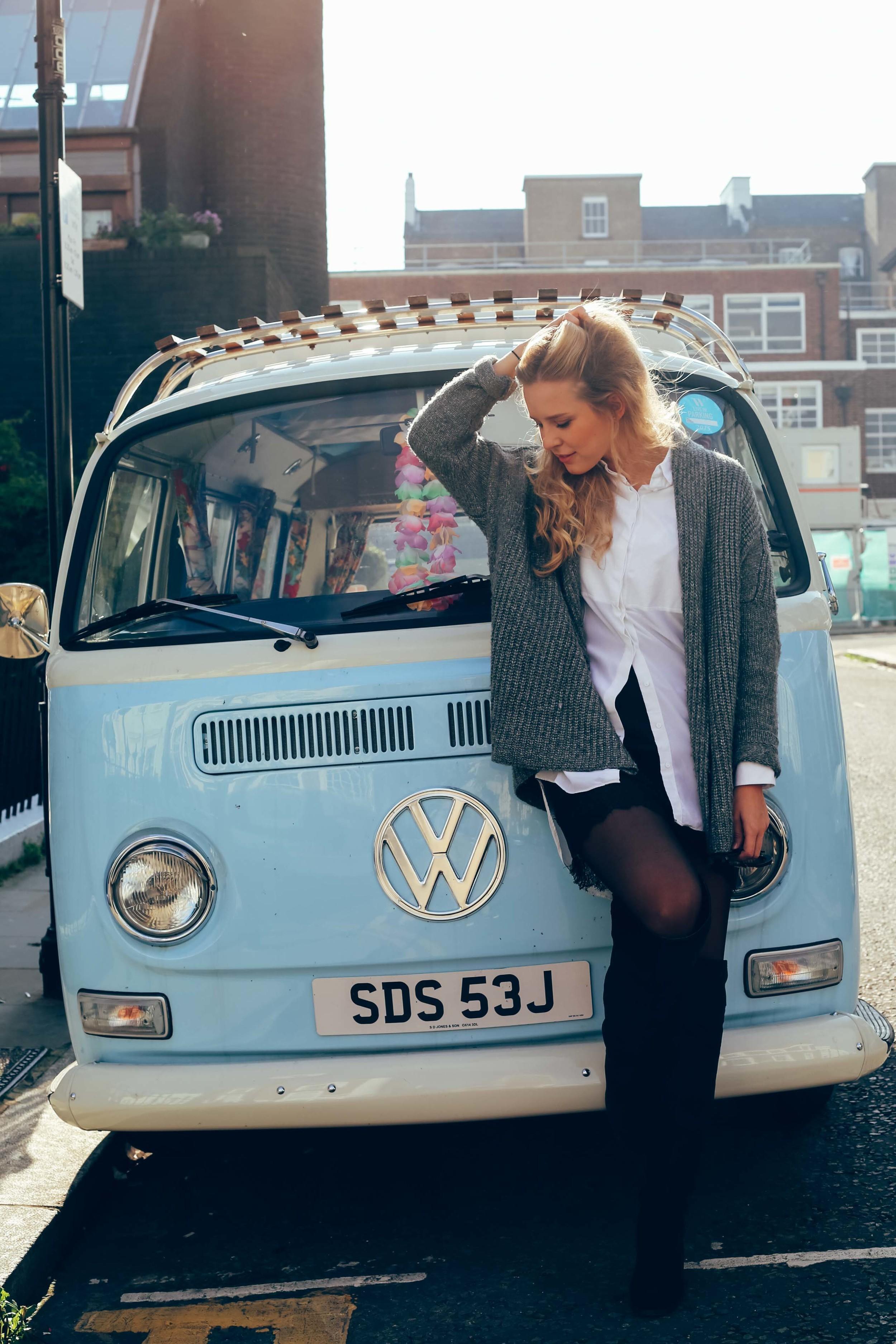 Notting Hill Photoshoot. Blue Caravan.