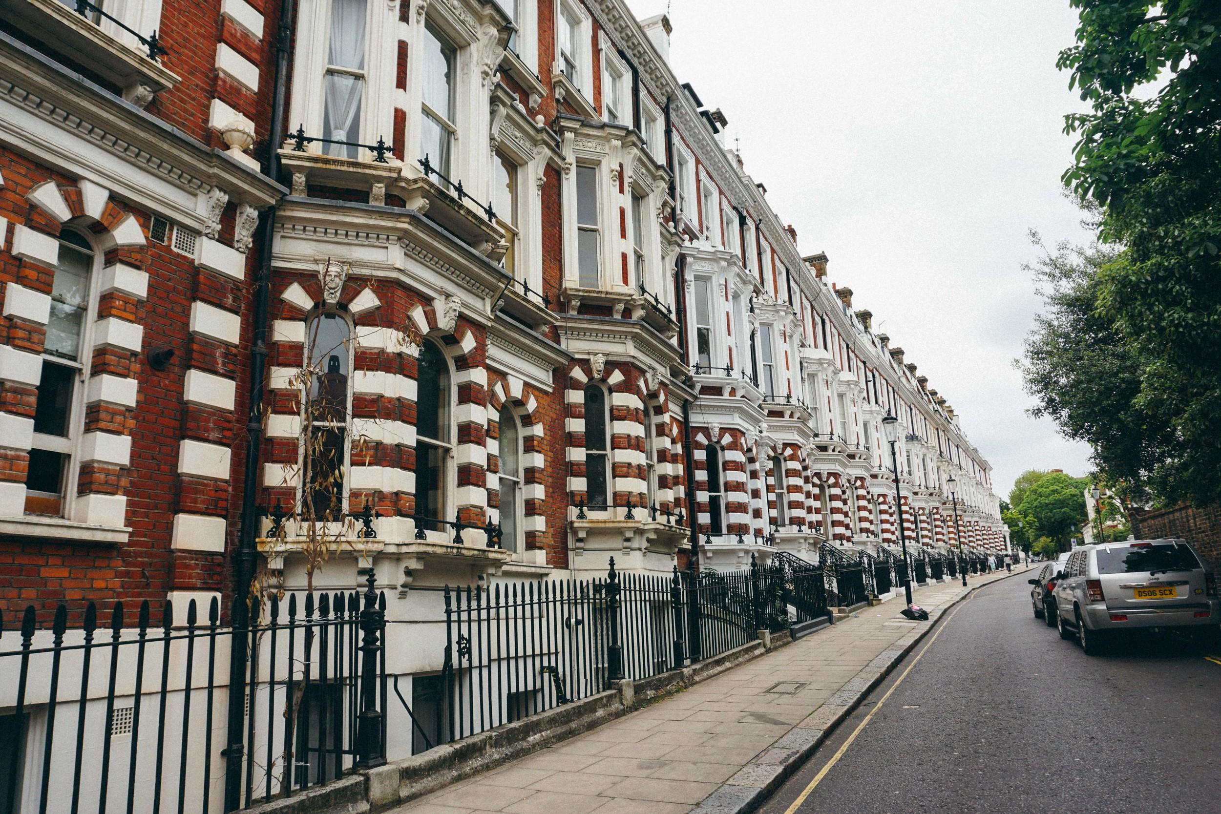 Flats/ Houses in Chelsea, Kensington London