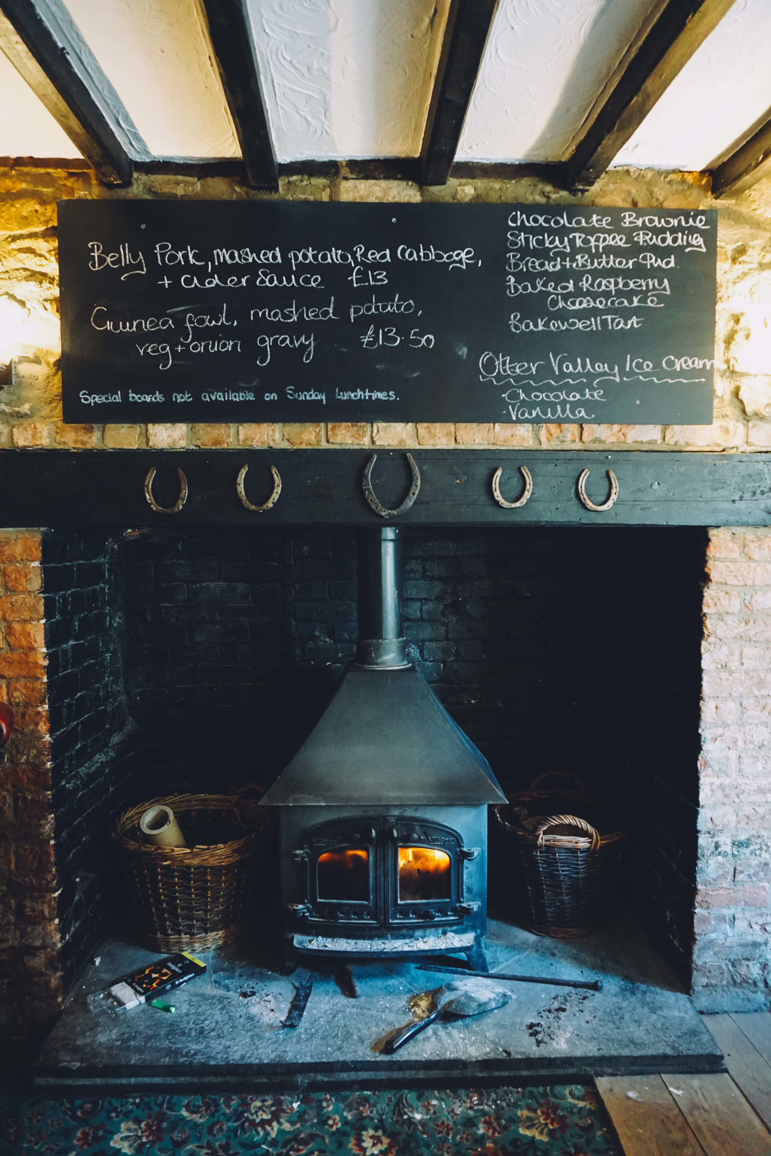 English pubs, Open fireplace.