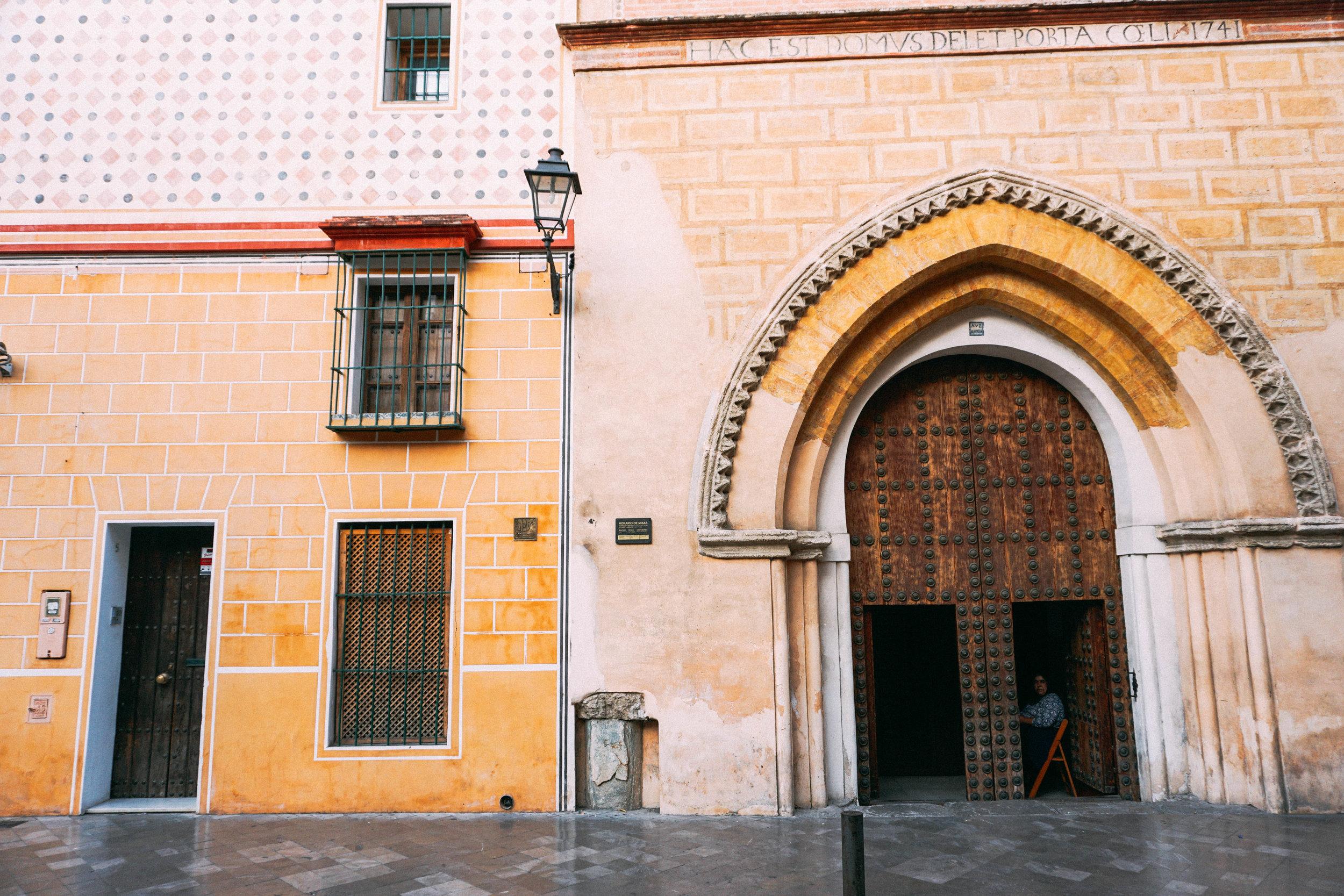 Barrio Santa Cruz, Seville, Spain. Travel Guide to Seville.