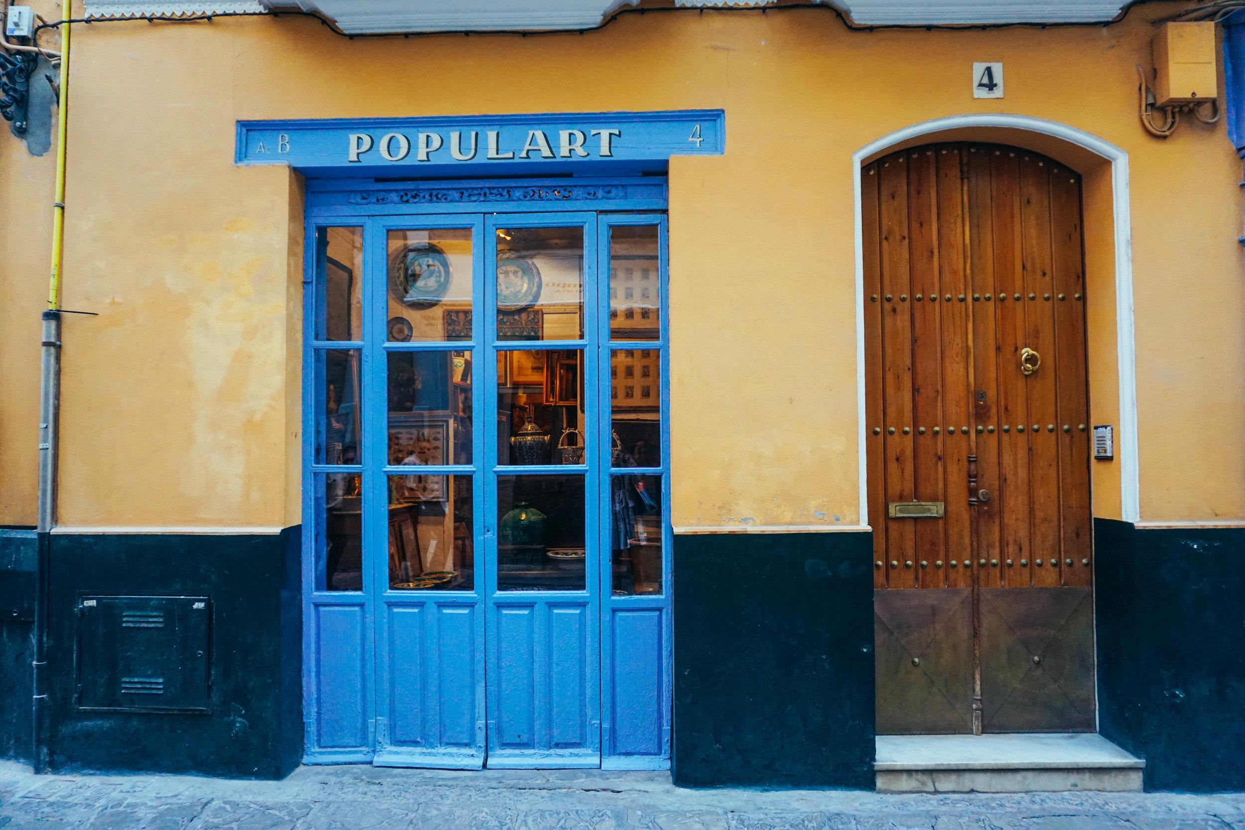Barrio Santa Cruz Seville Kat Caprice