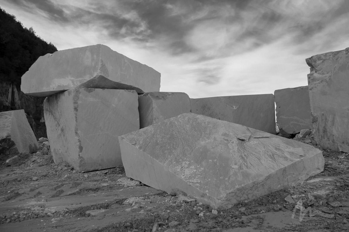 Scraps No. 2, Carrara