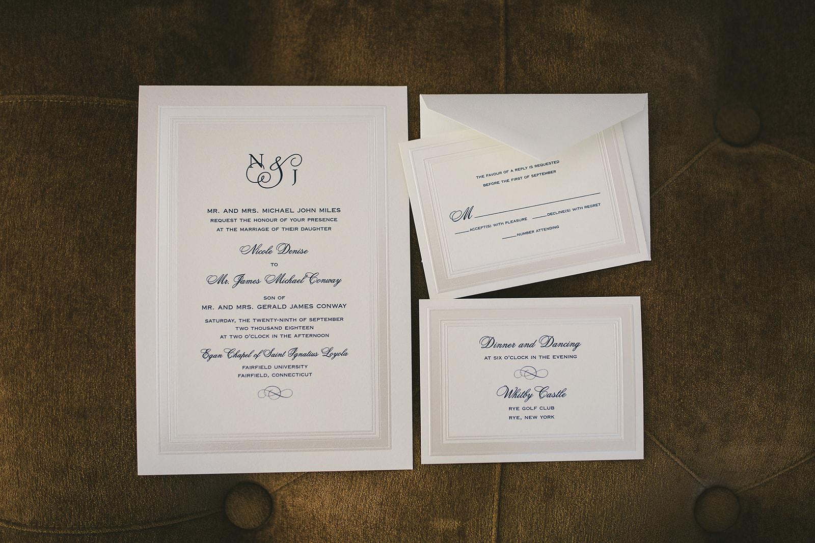 1 Classic wedding invitations.jpg