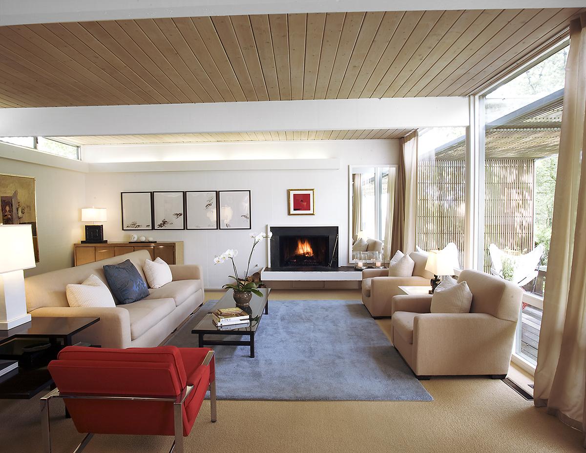 ARC401_Lisa_Livingroom.jpg