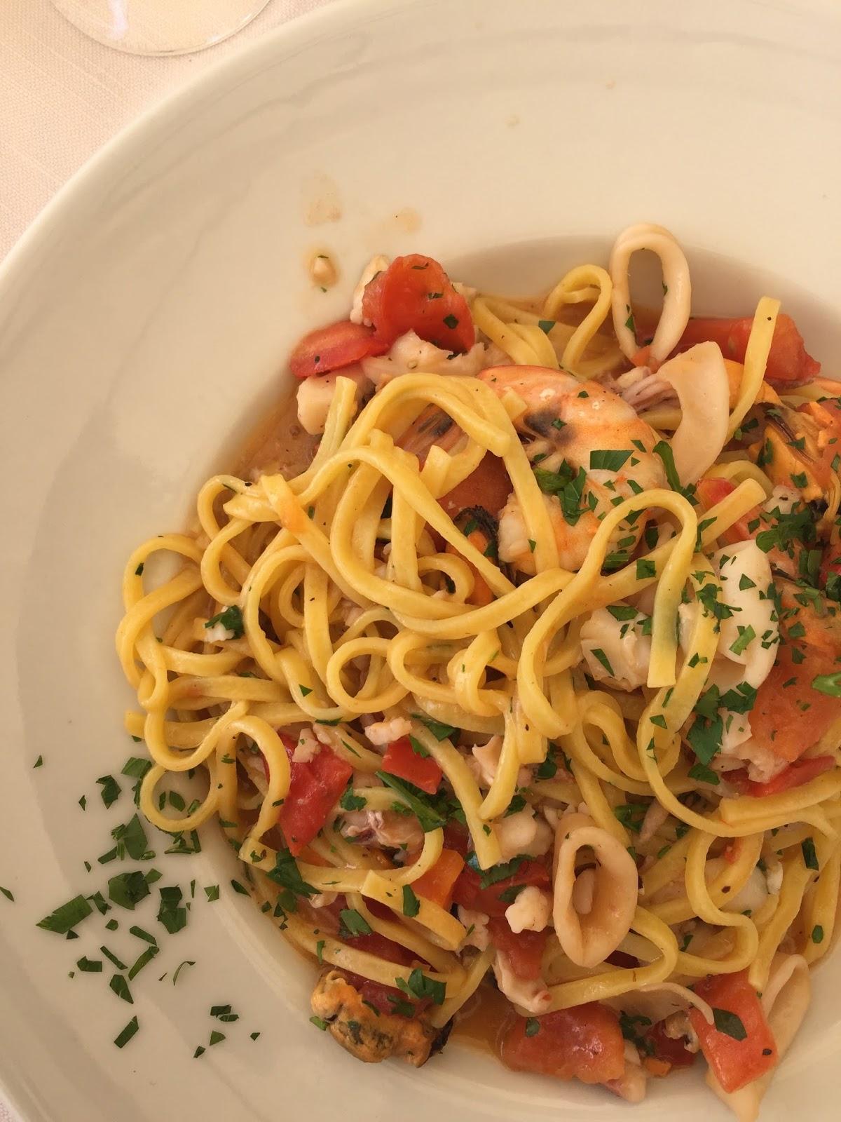 Seafood linguine, Pesaro