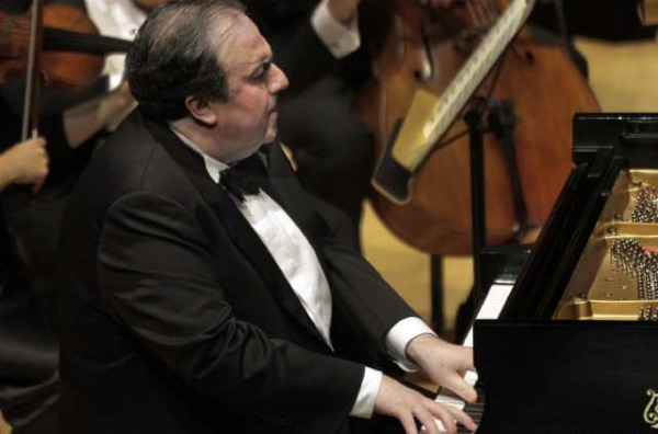 Yefim Bronfman at Disney Hall in 2011. Credit: Lawrence K. Ho / Los Angeles Times