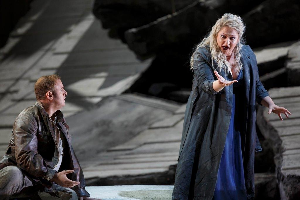 Lucas Meachem as Chorebus, Christine Goerke as Cassandra