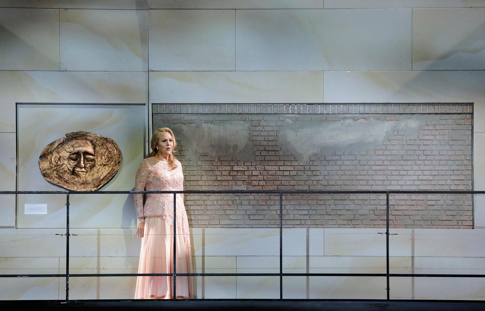 Adrianne Pieczonka as Chrysothemis