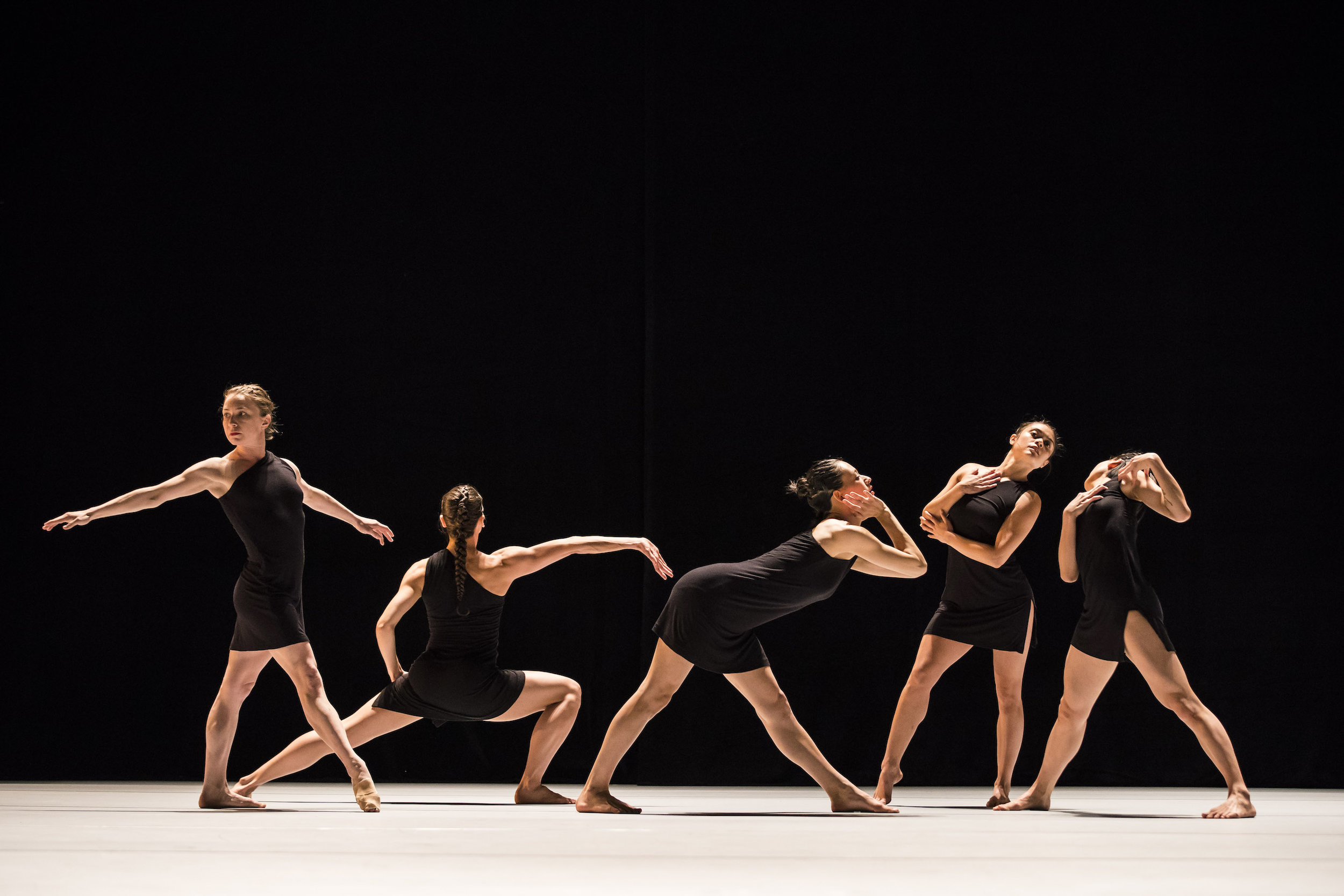 Hubbard Street Dance Chicago in  Decadance/Chicago  by Ohad Naharin. Photo by Todd Rosenberg.