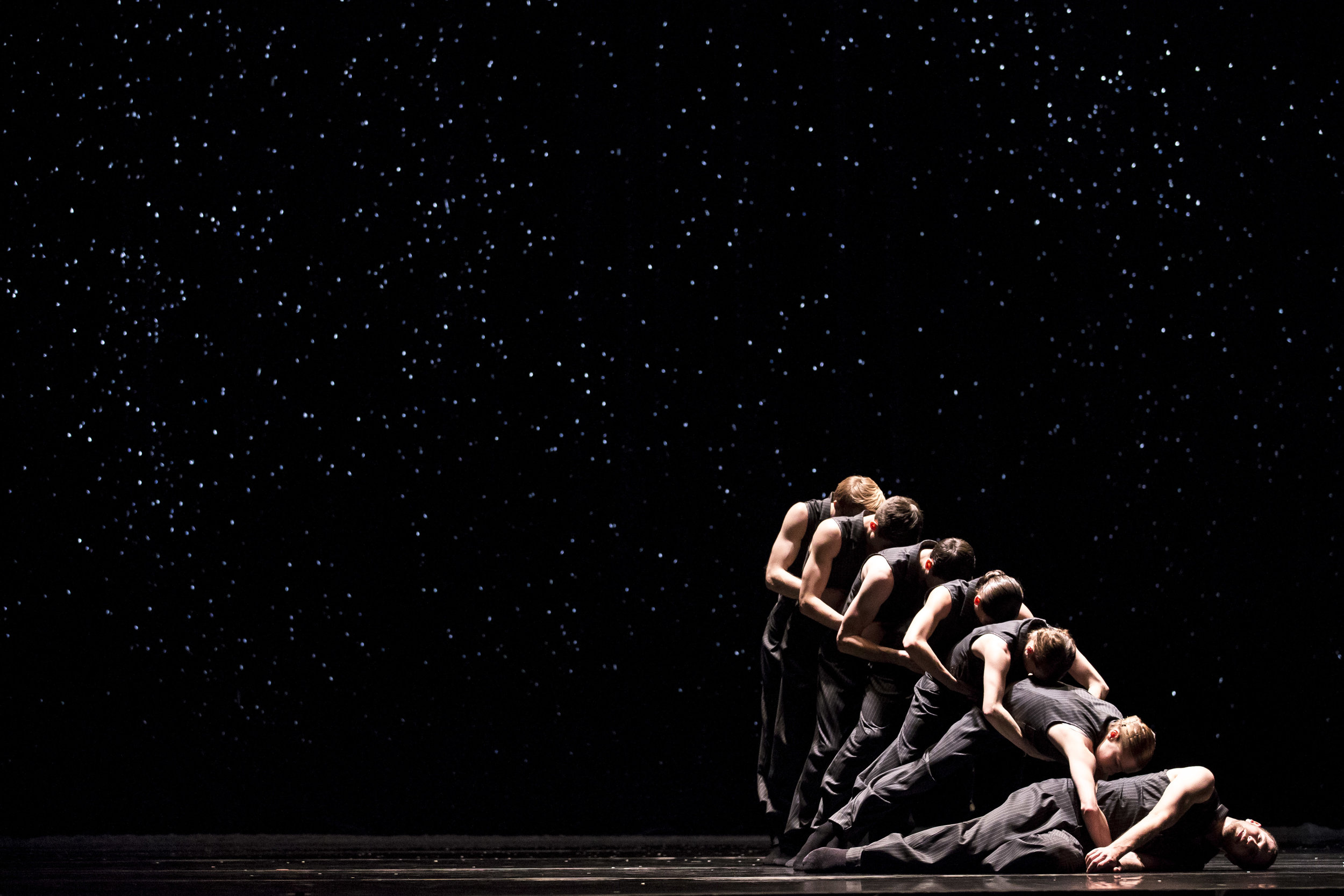 Hubbard Street Dance Chicago in  Solo Echo  by Crystal Pite. Photo by Todd Rosenberg.