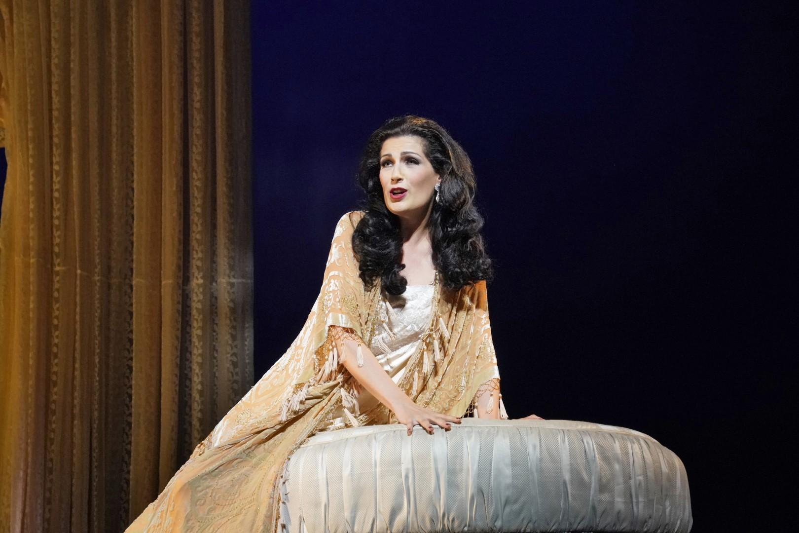 Soprano Adela Zaharia as Violetta