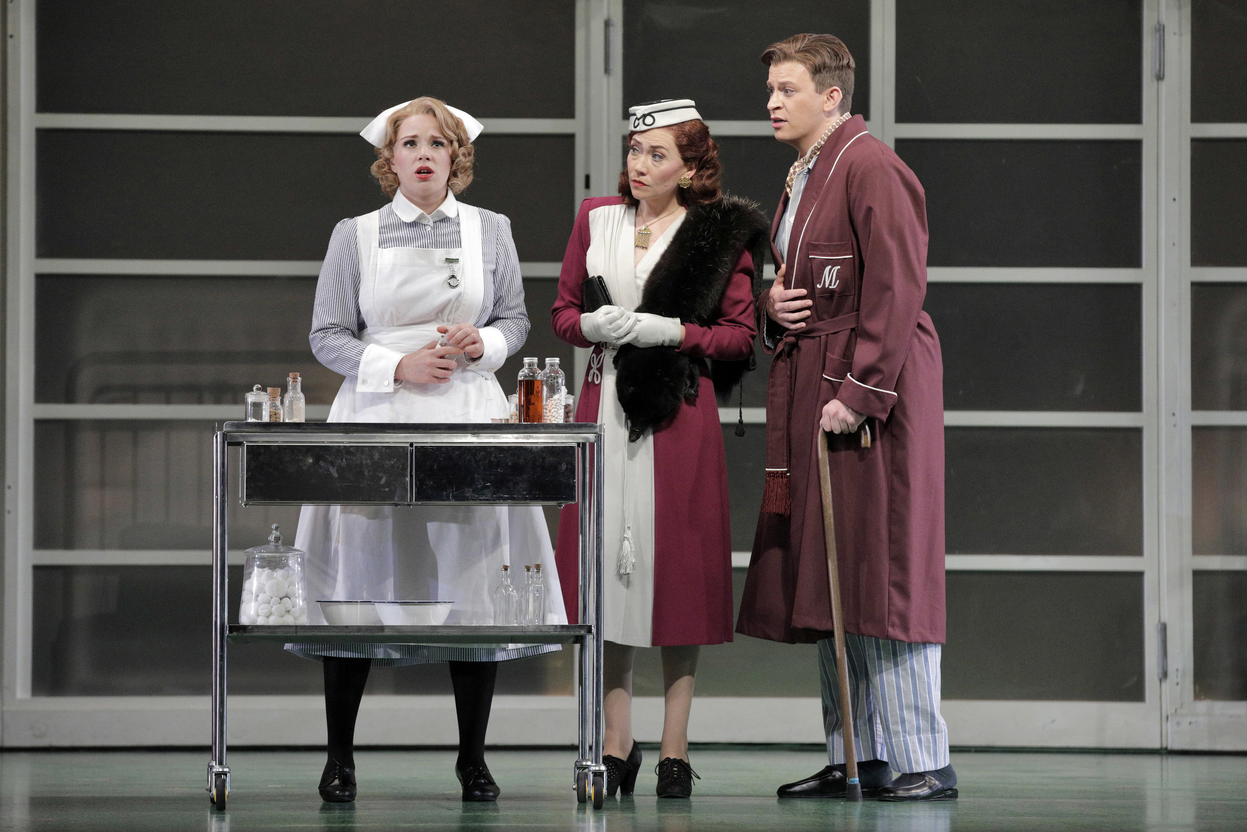 (L to R): Christina Gansch as Dorinda, Heidi Stober as Angelica, Aryeh Nussbaum as Medoro