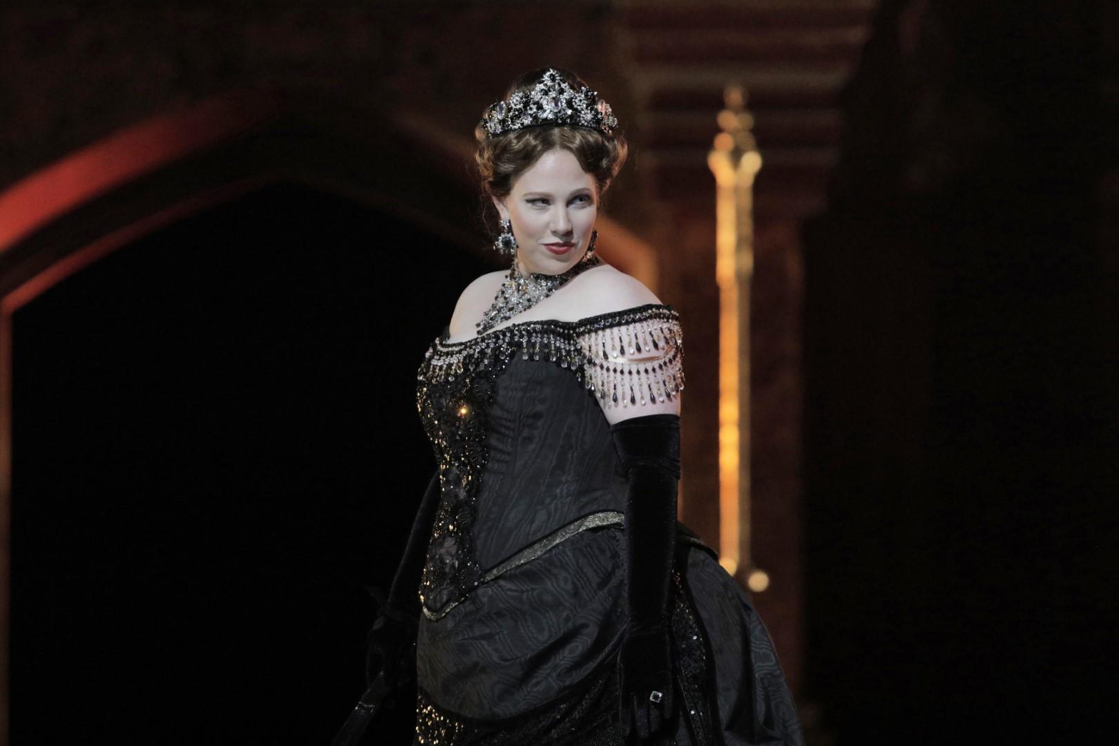 Sarah Cambidge as the Foreign Princess