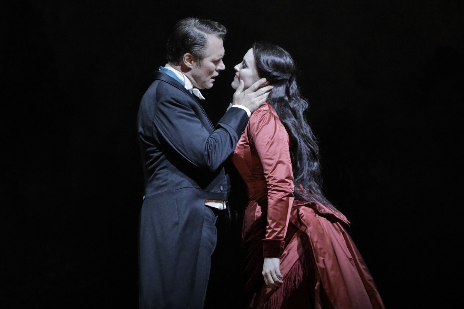 Rachel Willis-Sørensen as Rusalka, Brandon Jovanovich as the Prince