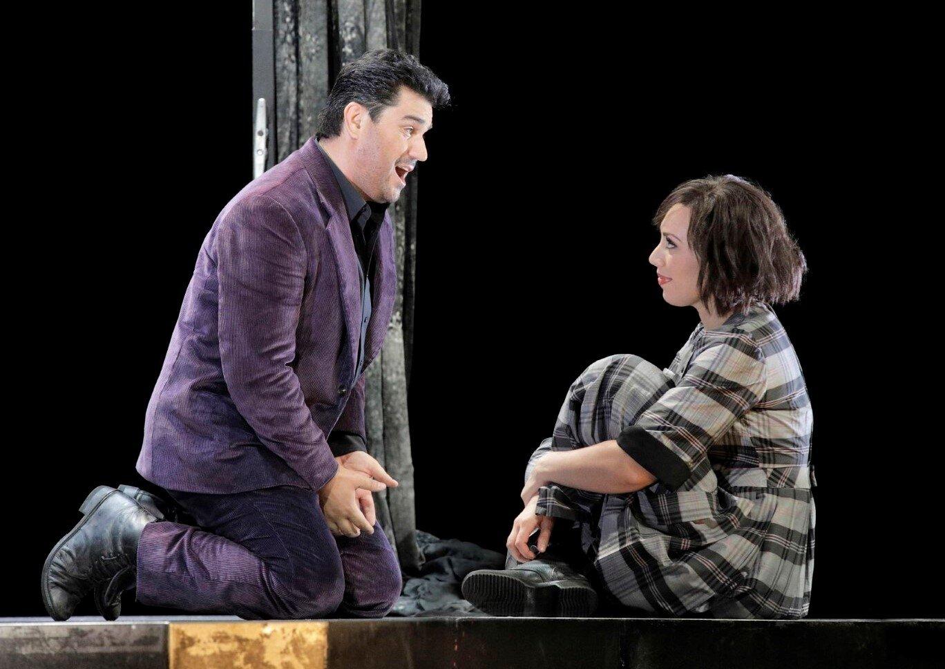 Saimir Pirgu as Rodolfo, Marina Costa-Jackson as Mimi