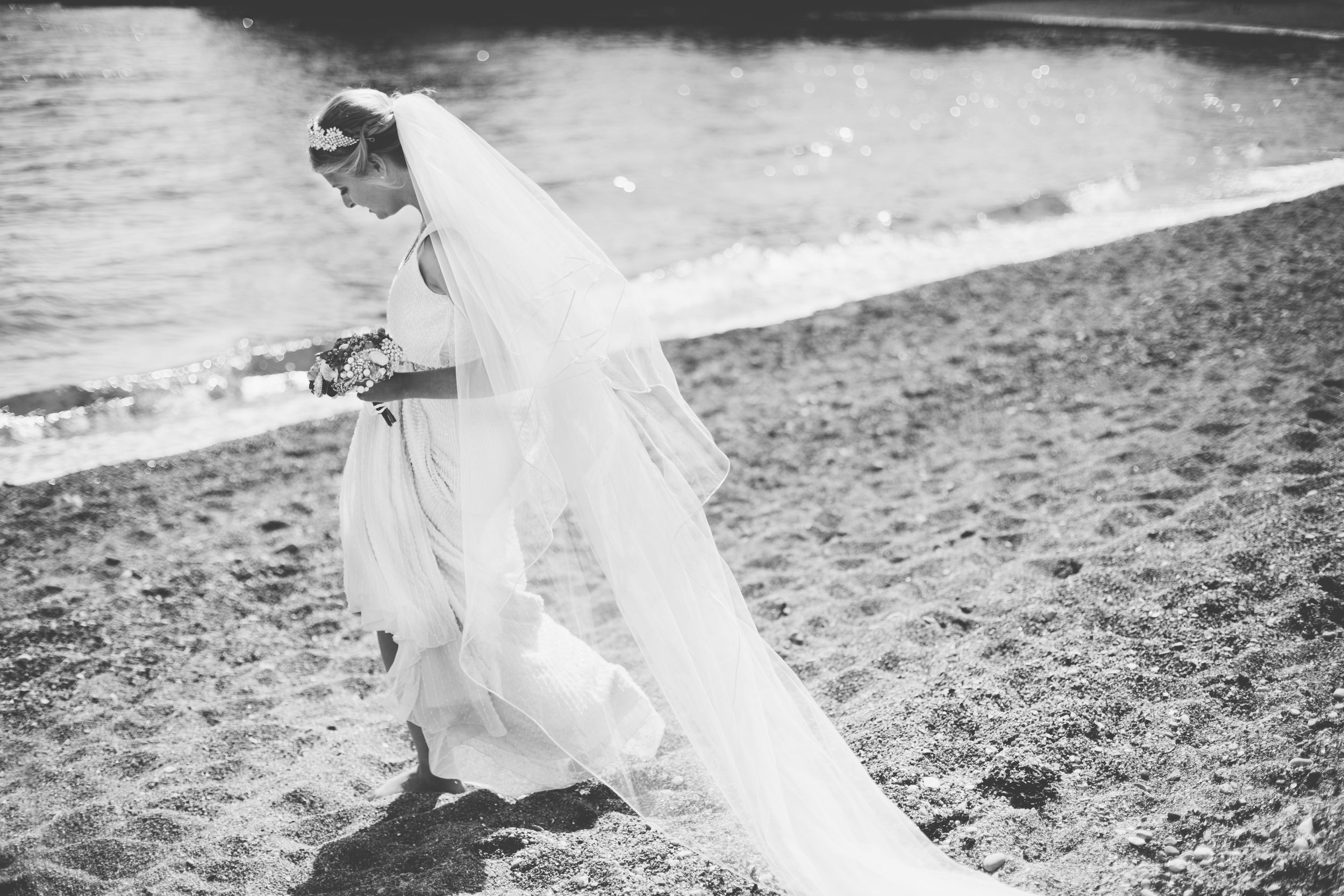 emmabarrow_beachbridal072.jpg