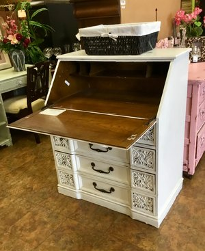 Vintage Secretary Desk >> Vintage Secretary Desk Finders Keepers