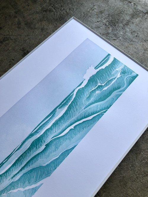 JAPANESE-INSPIRED OCEAN WAVES ART PRINT