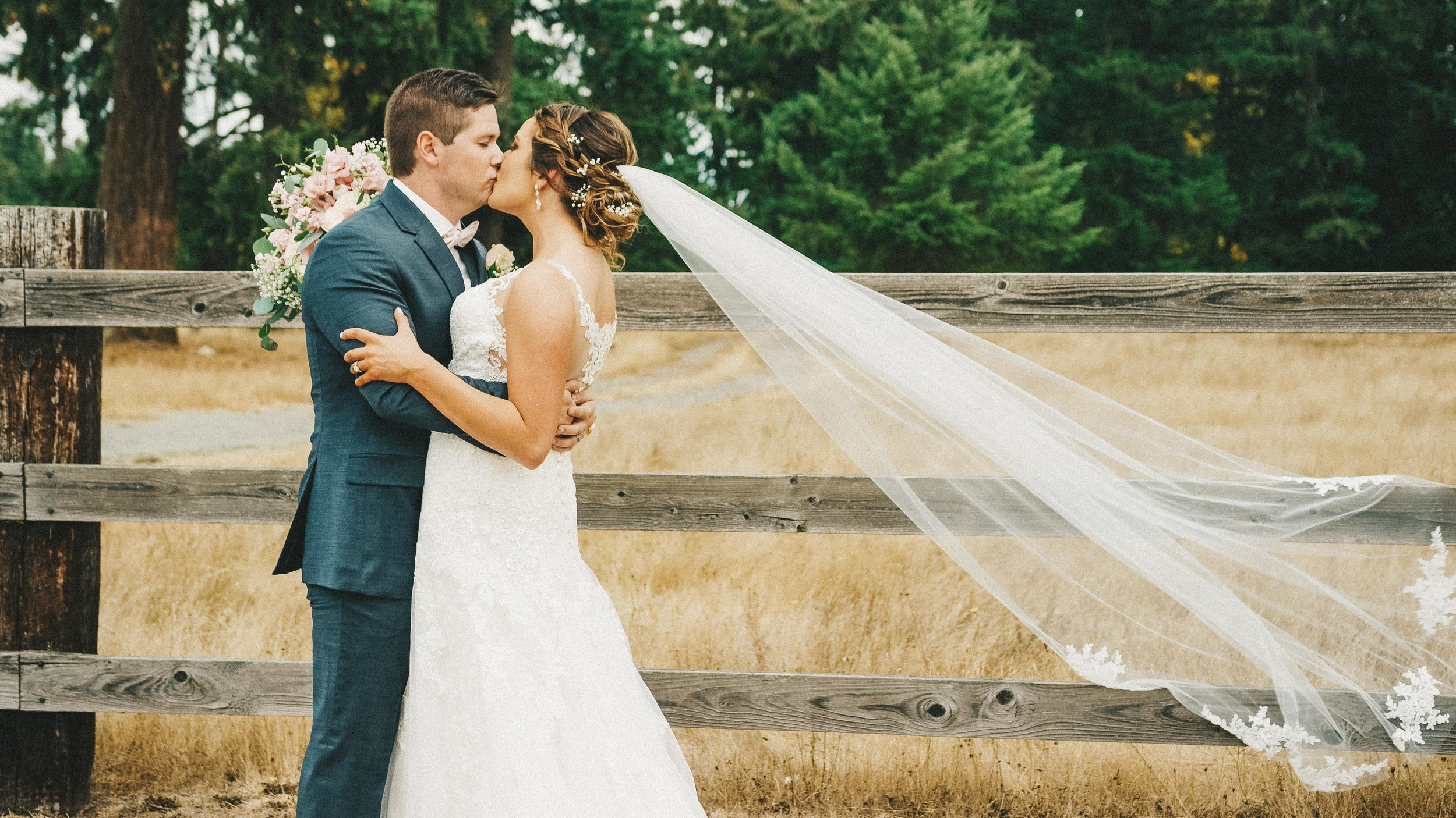 Kaitie&Jordan-TheKelleyFarmWedding-NewlyFilms-16x9-9.jpg