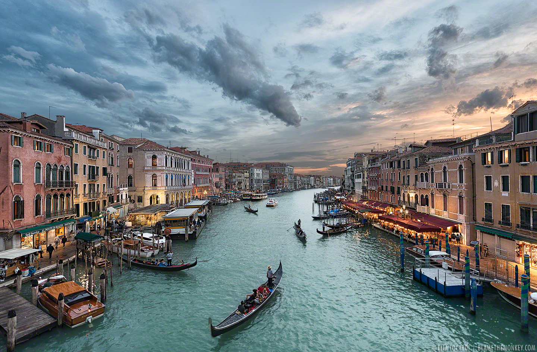 Elia-Locardi-Travel-Photography-Beyond-The-Rialto-Venice-Italy-1440-WM-DM.jpg