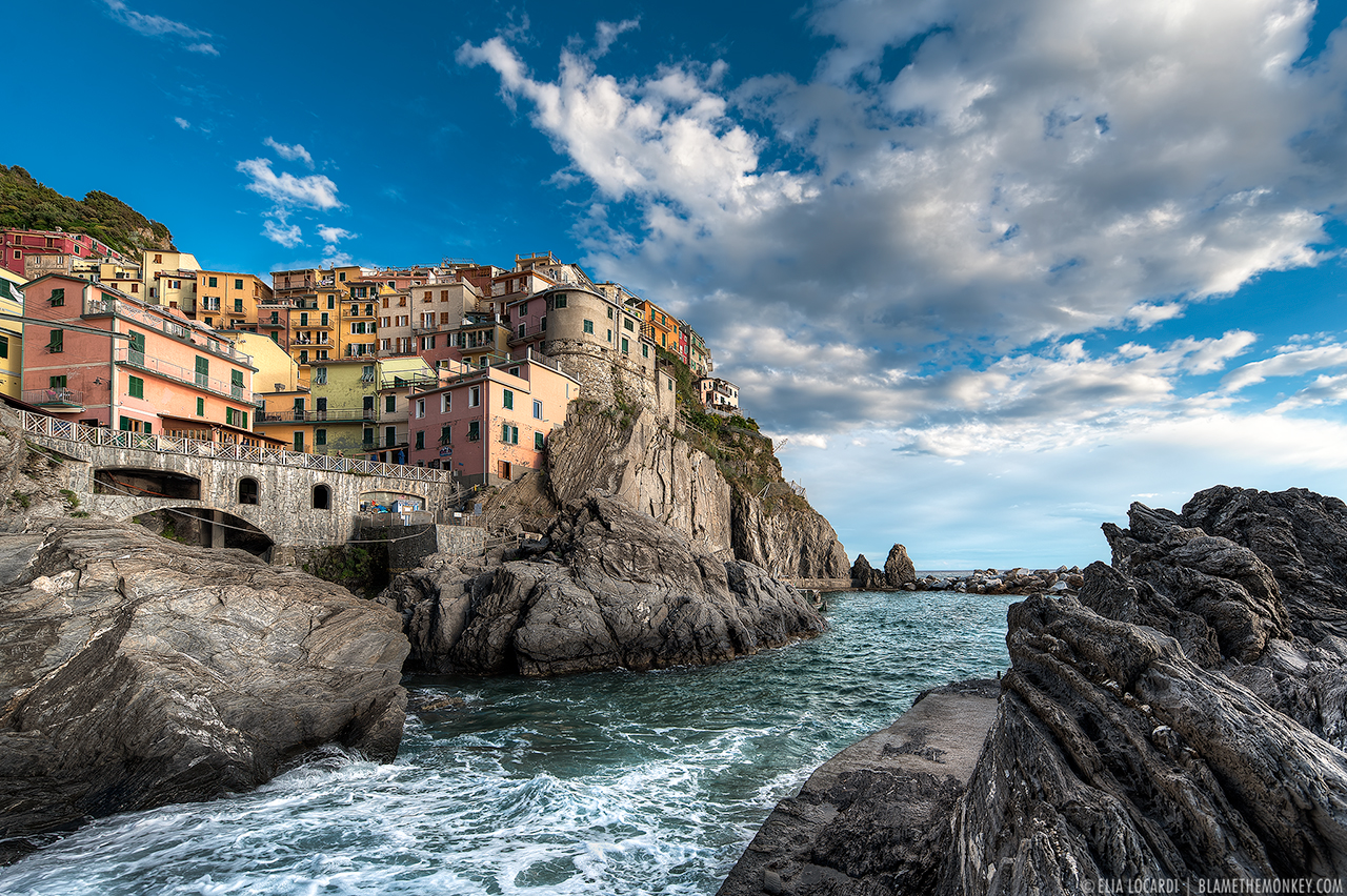 Elia-Locardi-Travel-Photography-Falling-Tide-Manarola-Italy-1280-WM.jpg