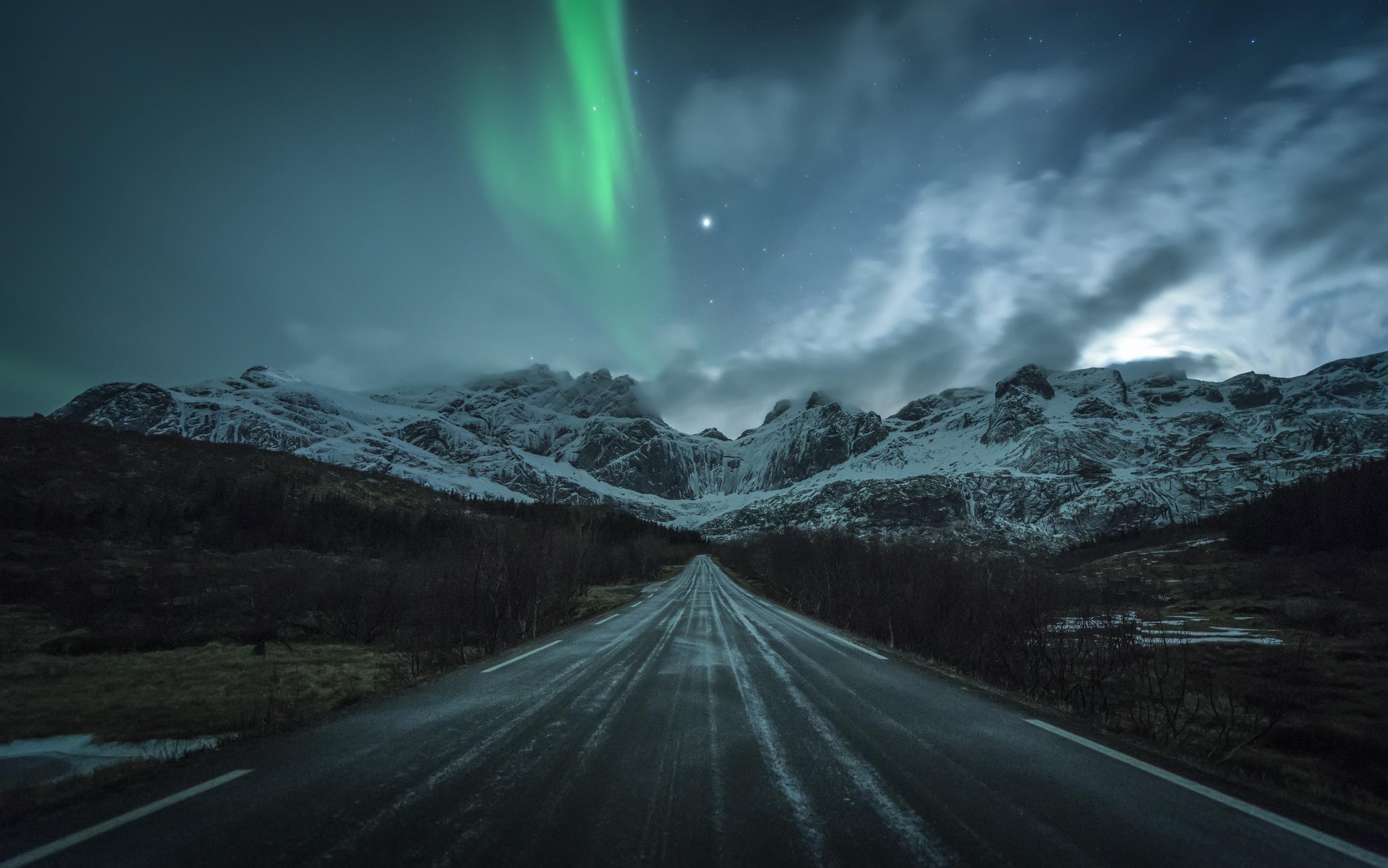 Road to Nusfjord.jpg