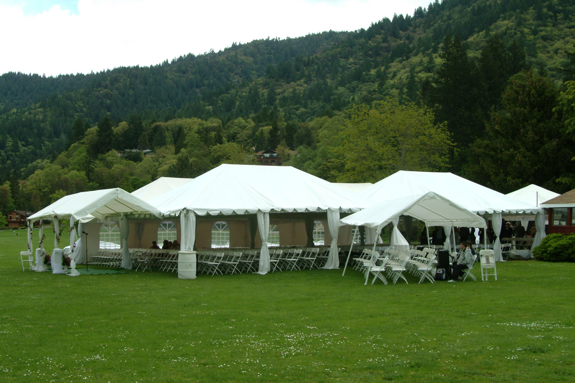 redding tents and events 2.jpg